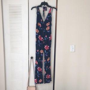 Forever 21 floral jumpsuit M fits S